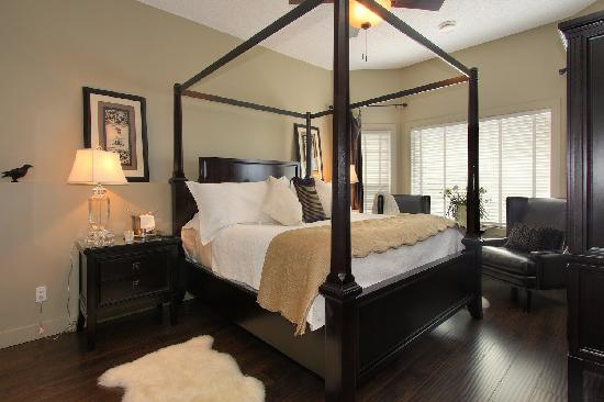 The Hopeless Romantic B and B: Merlot Master Bedroom