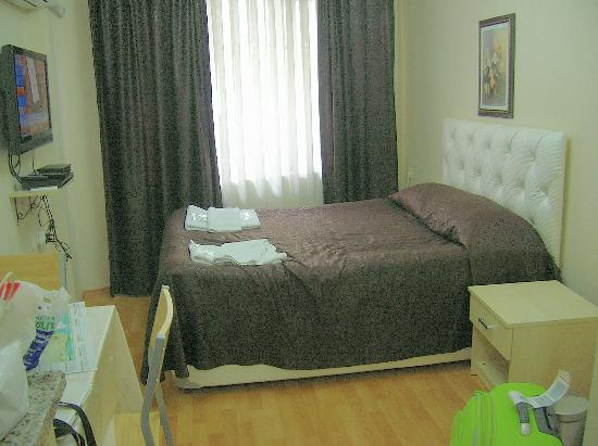 Ekim Apartments: El dormitorio principal