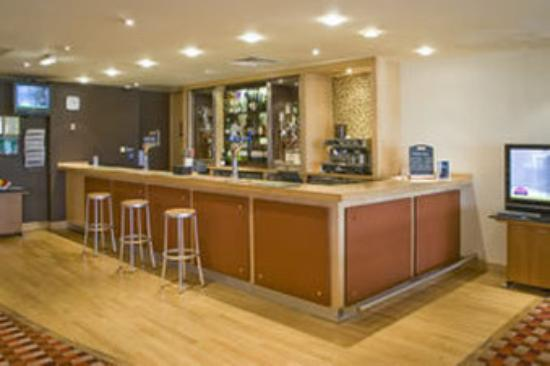 Britannia Bolton Hotel: Hotel Bar