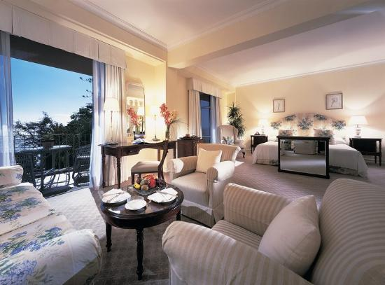Reid&#39;s Palace by Orient-Express : Superior Suite 