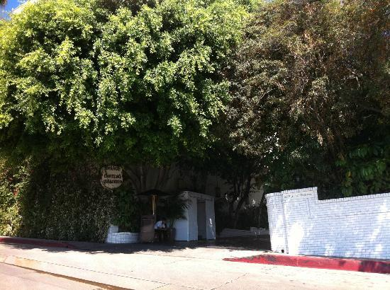 Chateau Marmont: The very discreet hotel entrance