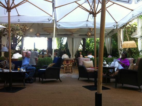 Chateau Marmont: The restaurant at lunchtime