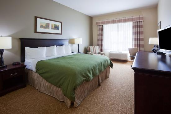 Country Inn &amp; Suites Red Wing: CountryInn&amp;Suites RedWing GuestRoomKing