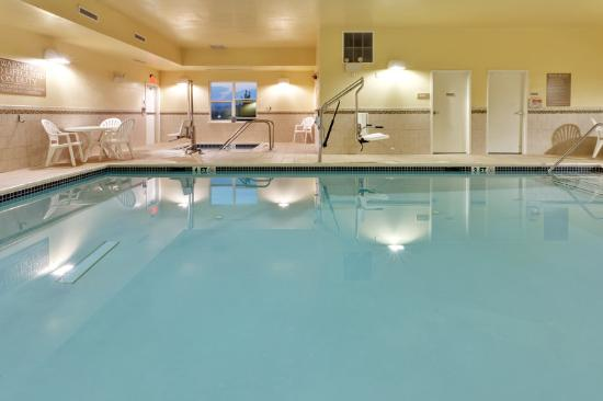Country Inn & Suites Carlisle: CountryInn&Suites Carlisle Pool