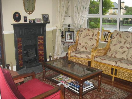 Adare Country House: One of the parlors