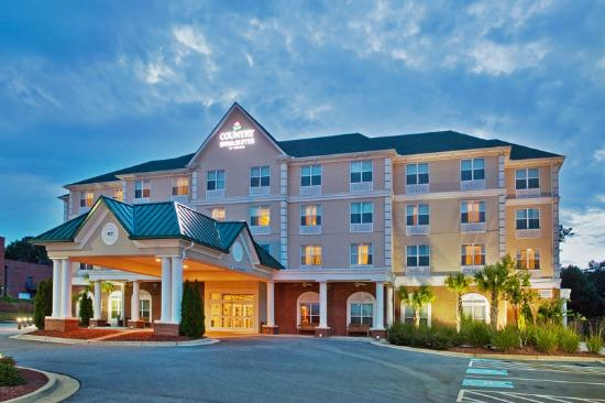 Country Inn & Suites Braselton: Exterior at Night