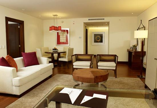 JW Marriott Hotel Bogota: Suite Living Room