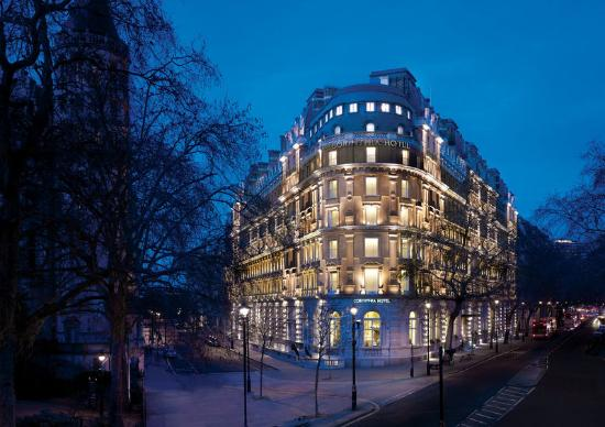 Corinthia Hotel London: Twilight Exterior