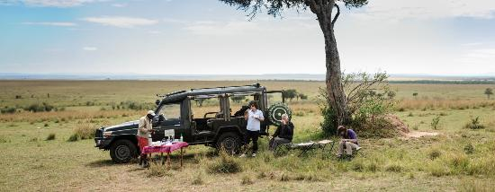 Kicheche Valley Camp: Lunch out on the plains. Truly amazing!