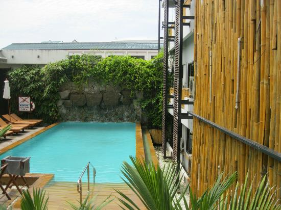 Bamboo House Phuket: the pool in the afternoon