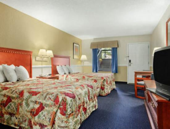 Travelodge Gulf Shores: Two Double Bed Room