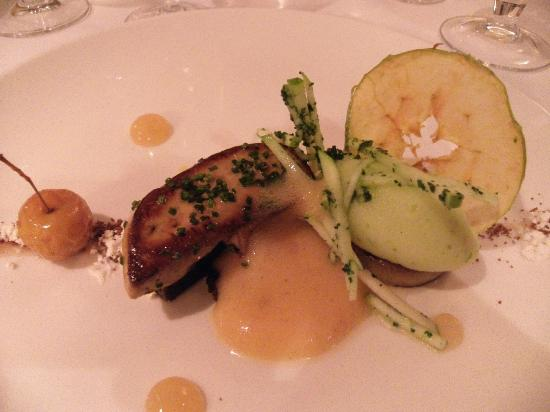 The Black Swan Hotel: foie gras and parkin with textures of apple= amazing!