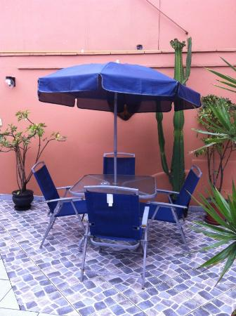 Hostal Torreblanca: Second Floor Patio