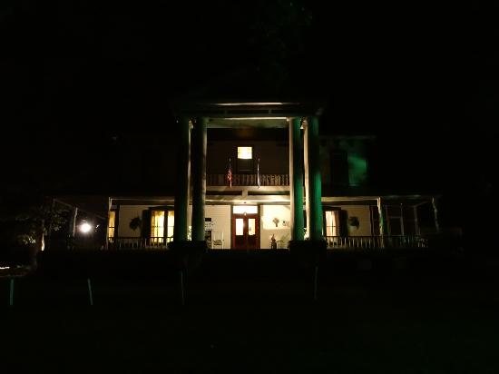Liberty Lodge: Night view