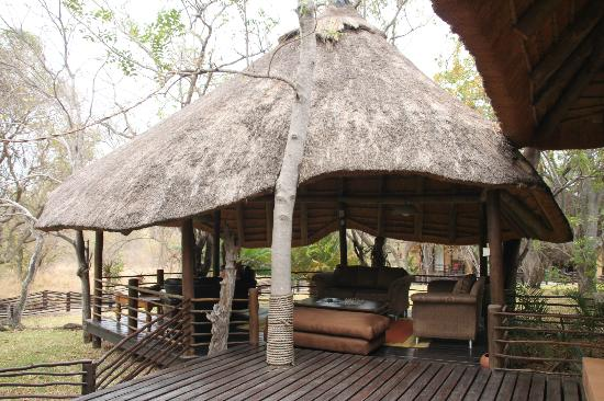 Toro Yaka Bush Lodge: Chillout area