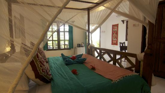 Flame Tree Cottages: Room