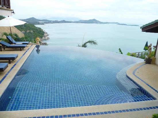 Sandalwood Luxury Villas: Main pool view outside Plumeria villa