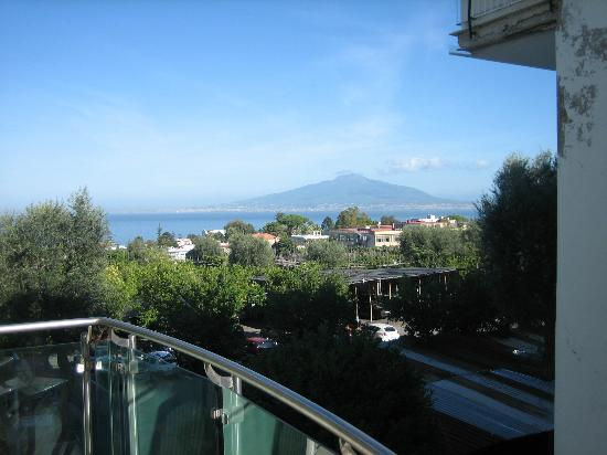Comfort Hotel Gardenia Sorrento Coast : Vue du balcon de la chambre 307