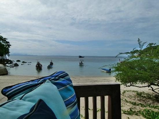 The Haad Tien Beach Resort: view at breakfast from In sea