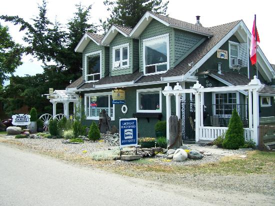 Photo of Beach Gables Guesthouse Motel Kaslo
