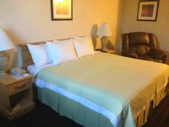 Days Inn Miami International Airport: Room I stayed in