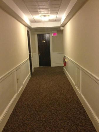 Hotel 340: Hallway to room