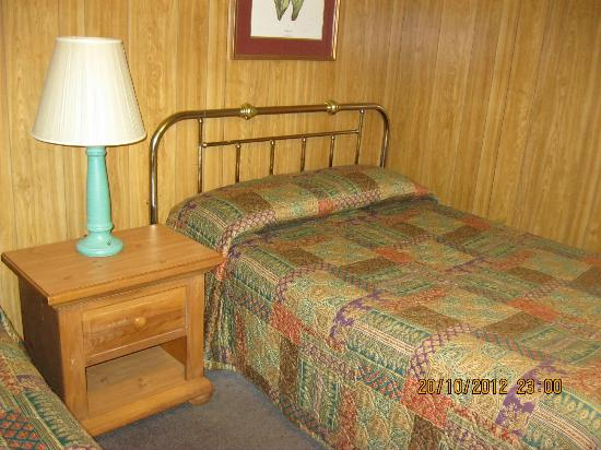 Rodeway Inn Akron: letto