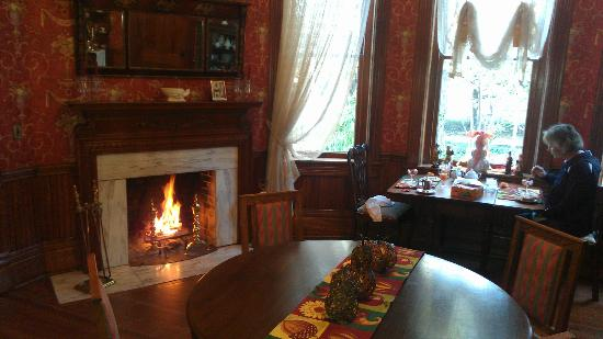 The Grove -- The Inn on Harlee: Breakfast by the fireside.