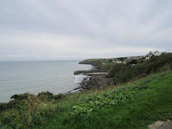 Cloneen Bed & Breakfast: A walk down to the Atlantic ..minutes away