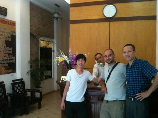 Royal 2 Hotel: the fantastic guys that work at the hotel!