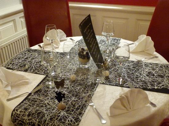 D co de table nouvel an picture of la musardiere dieppe tripadvisor - Table nouvel an deco ...