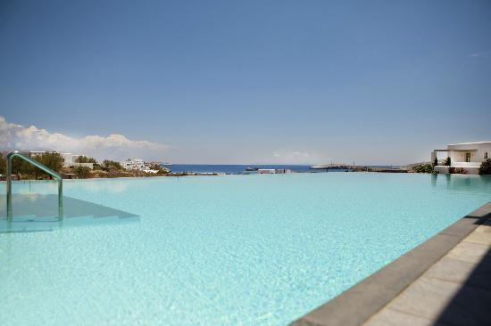 Anemi Hotel: View from the pool