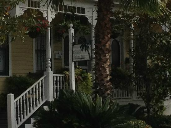 Green Palm Inn: Front Porch
