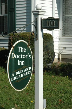 West College Corner, IN: The Doctor's Inn