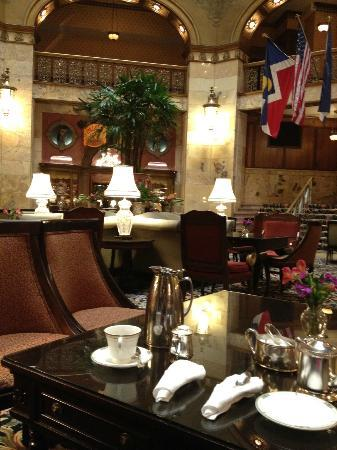 The Brown Palace Hotel and Spa, Autograph Collection: Tea area in lobby