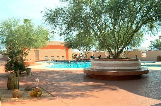 Mesa Spirit RV Resort: Pool area