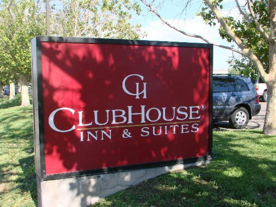 Clubhouse Inn & Suites Albuquerque: average hotel