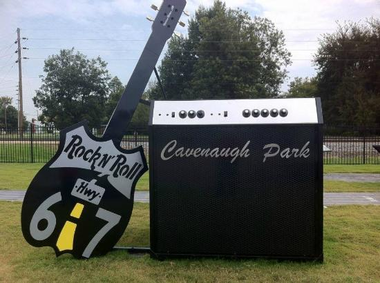 Walnut Ridge, AR: This is the sign for the park that is home of the Guitar Walk. The guitar must be 10 feet tall.