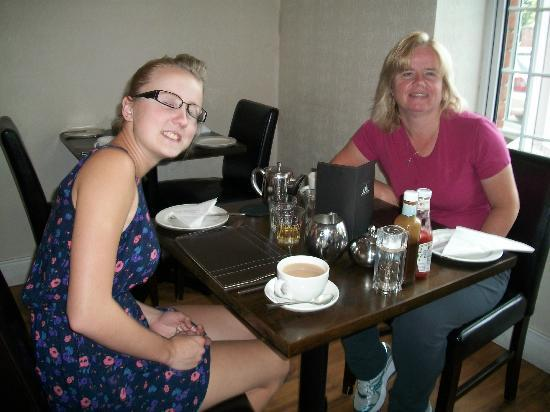 Maranatha House: My daughter and I in the breakfast room