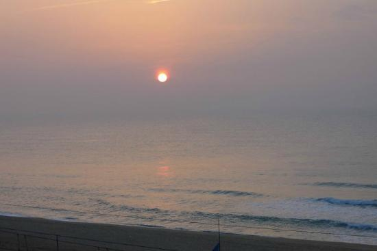 Hotel Miramar Badalona: Dawn view from room