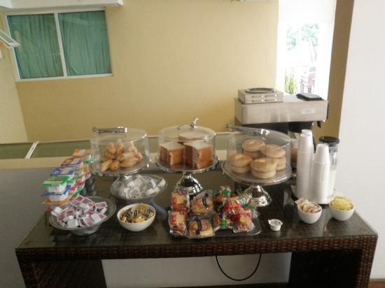 Casa Condado Hotel: Breakfast was included. Basic but it was substantial.
