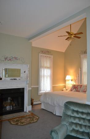 Barnard, VT: Just precious! Country Garden Suite