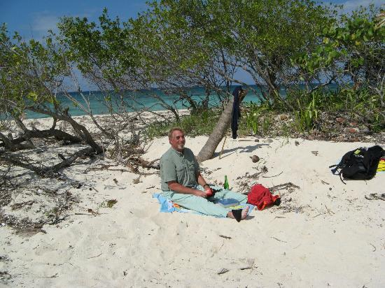 Mango Creek Lodge: Pidgeon Caye