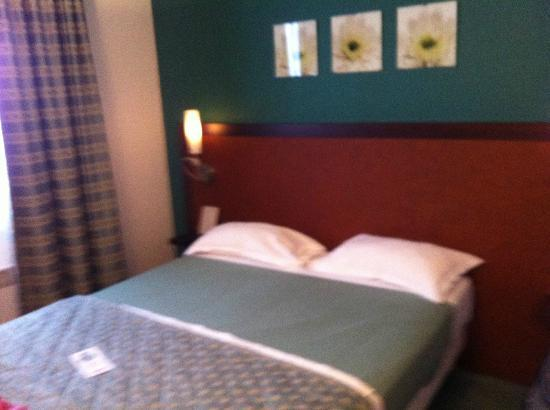 Quality Inn Paris la Defense: Doppelzimmer