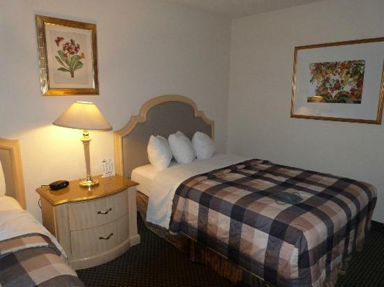 "Days Inn Modesto : Vue du lit ""king size"""