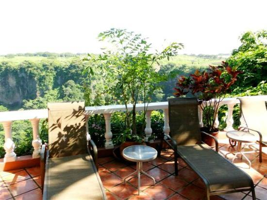 Casa Bella Rita Boutique Bed & Breakfast: Canyon view from terrace