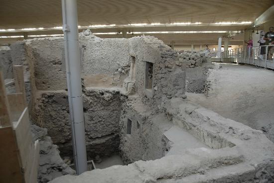 Akrotiri Archaeological Site - Picture of Museum of ...