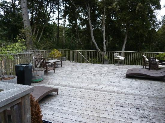 Stevenswood Resort And Spa: Deck just outside our room - for all guests