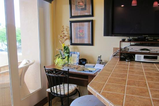 The Beach Villas at Kahalu&#39;u: Work Desk 1-202