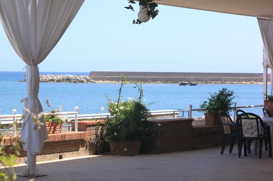 Hotel Maga Circe: Breakfast area view